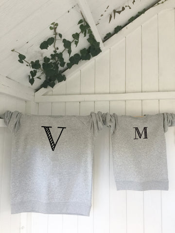 Kids' organic cotton & recycled polyester sweatshirt - Letters - Grey - Handmade Goose