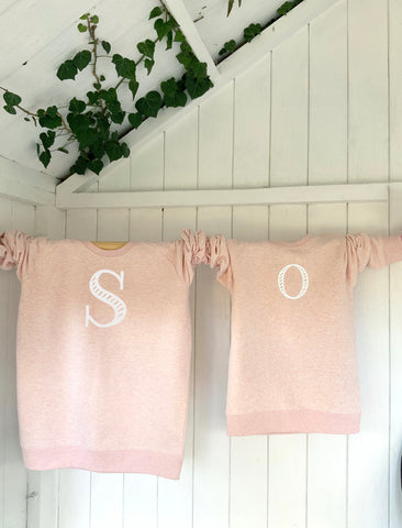 Kids' organic cotton & recycled polyester sweatshirt - Letters - Pink - Handmade Goose