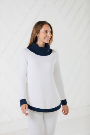 Long Sleeve Round Hem Turtleneck Sweater White