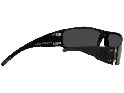 Magnum 2.0 Blackout / Smoked Polarized