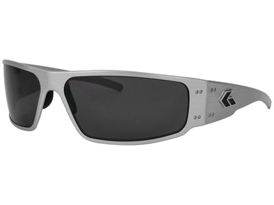 Brushed Aluminum Frame / Smoked Polarized