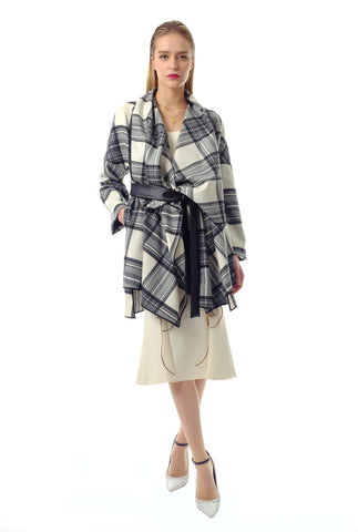 Oma Plaid Wool Coat