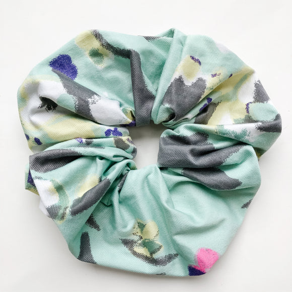XXL Hawaiian Floral Scrunchie