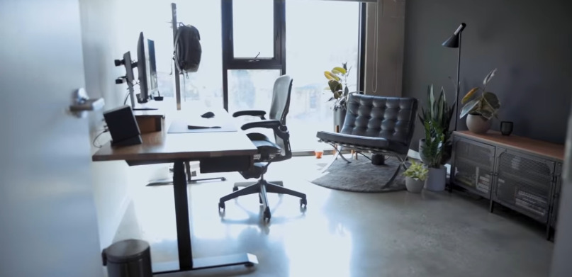 Work Till You Drop: How To Have A Productive and Minimalist Workspace