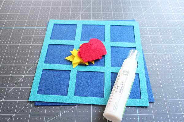 Cricut Made Felt Tic Tac Toe Board