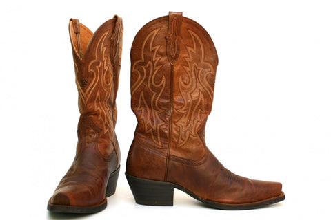 dad66868d62 Western cowboy boots strike a unique balance between functional clothing