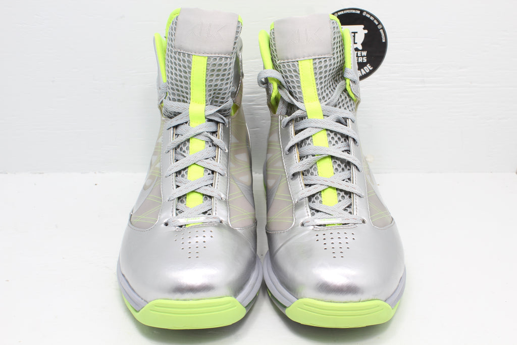 Nike Air Max Hyperize Silver Metallic Volt - Hype Stew Sneakers Detroit