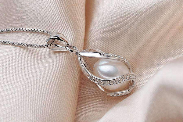 Pendant Necklace Necklace with Natural Pearl Cage Pendant