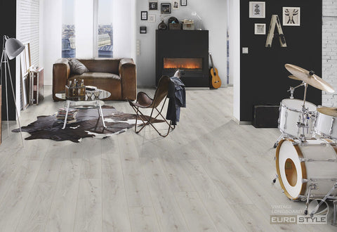 EuroStyle German Laminate Flooring - Chantilly Oak