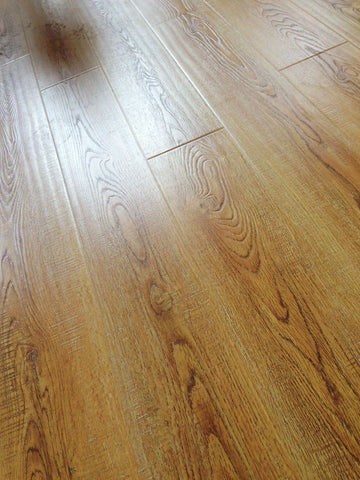 Natural Oak Handscraped Wirebrushed Laminate Flooring