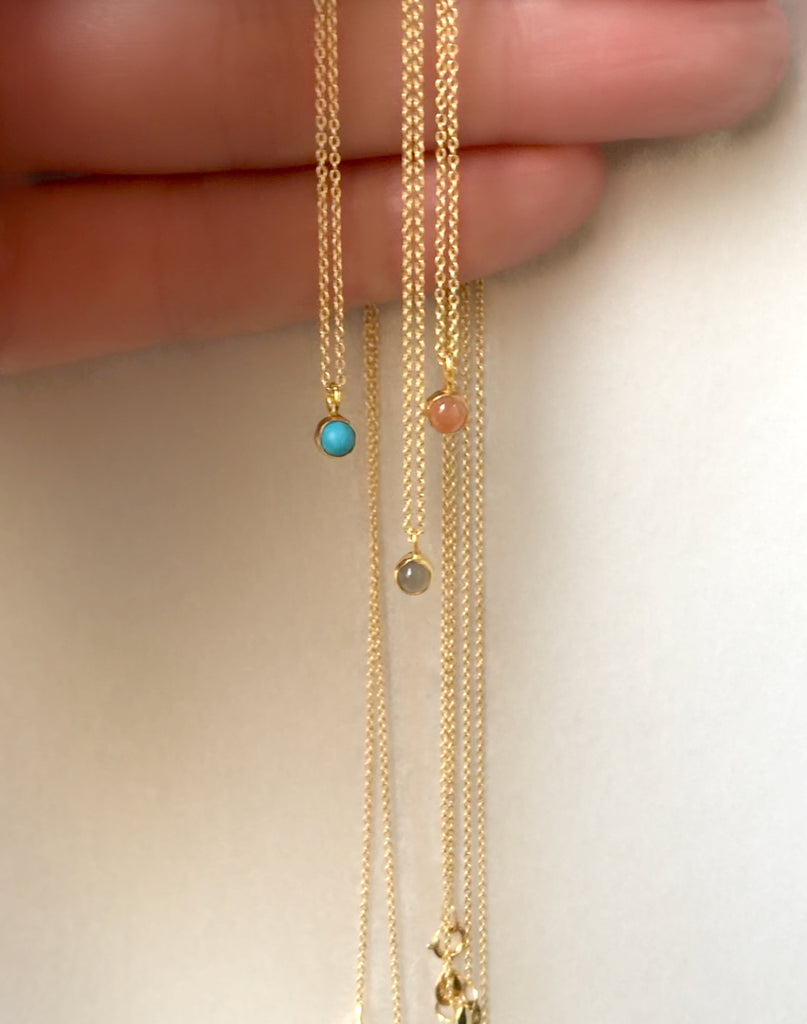 18K Floating Mini Pendant Necklace