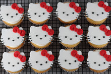 Load image into Gallery viewer, Cupcakes with Fondant Cat Toppers