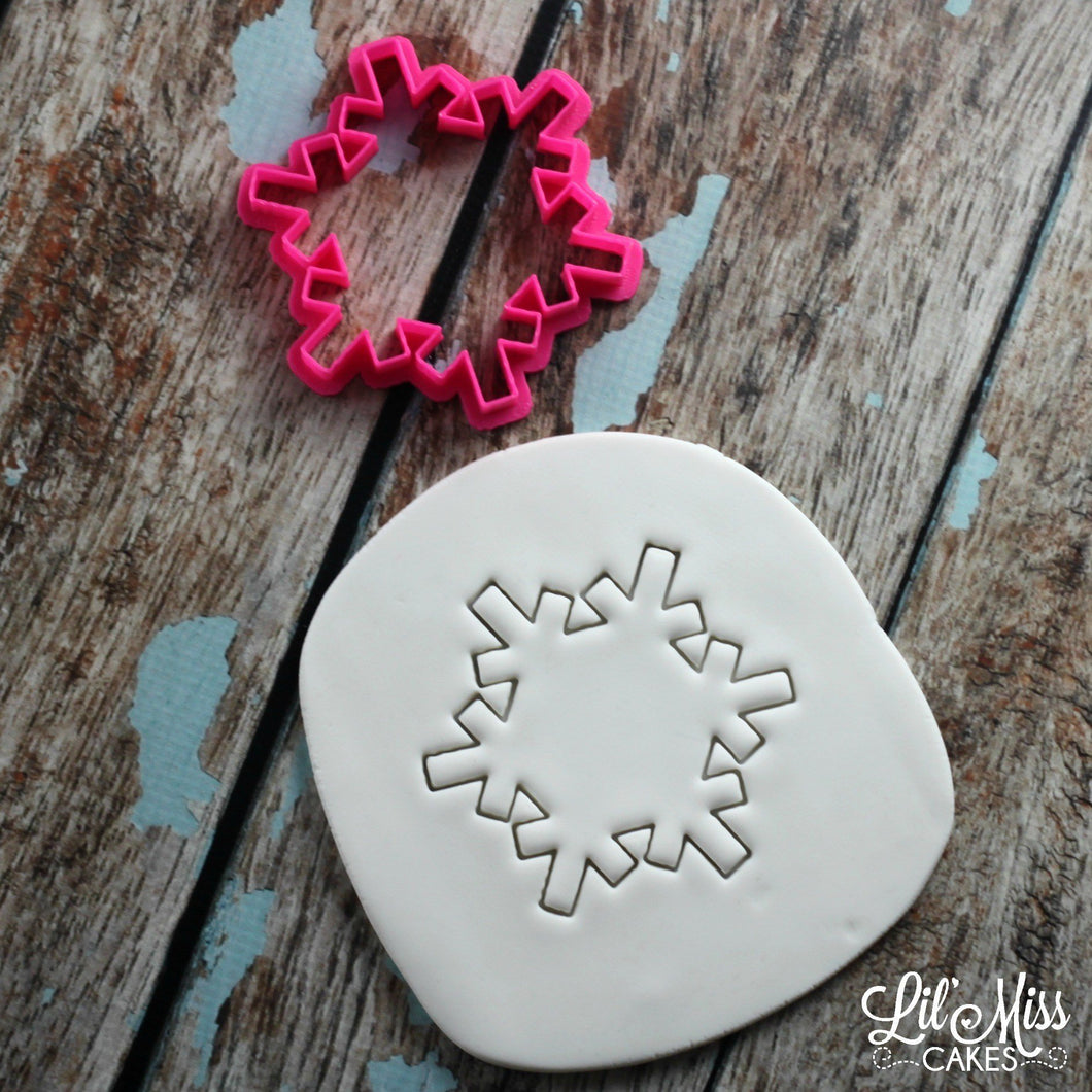 Snowflake Cutter | Lil Miss Cakes