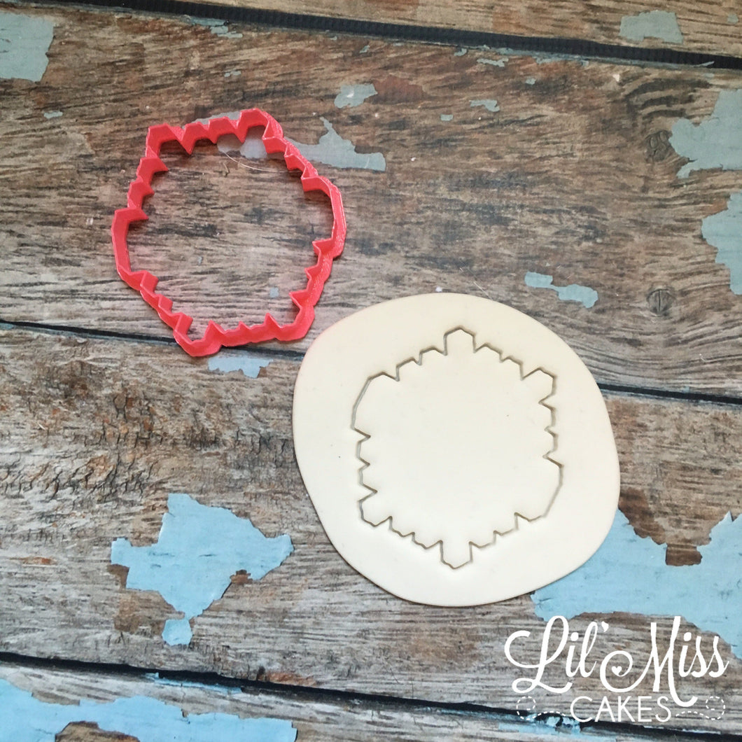 Geo Snowflake Cutter | Lil Miss Cakes