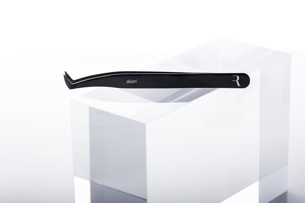 Akari Light Volume Tweezer