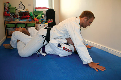 mount bjj jiujitsu base