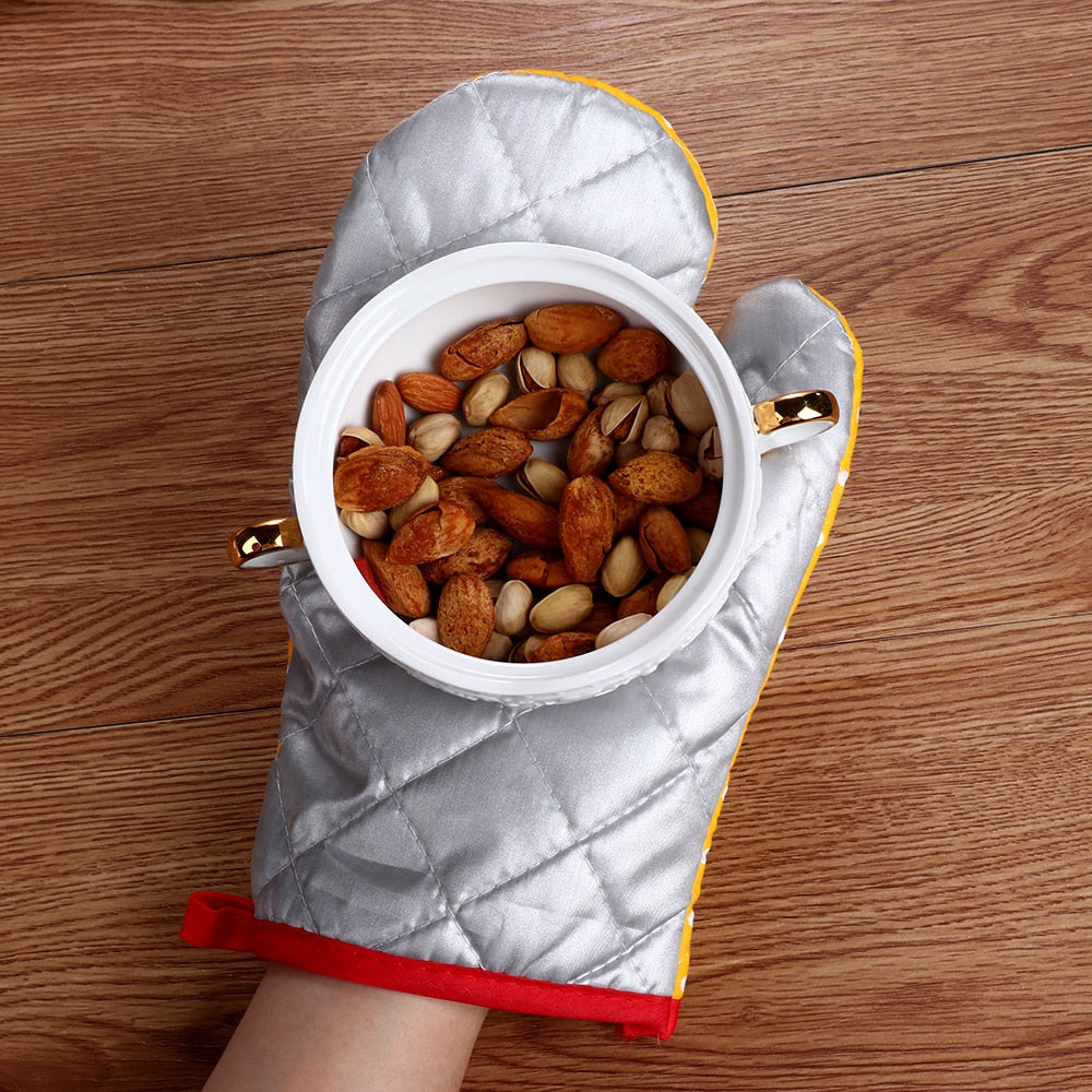 1Pcs Anti Hot Microwave Insulation Ovenware Gloves Thick Oven Gloves Dot Mitts kitchen Heat
