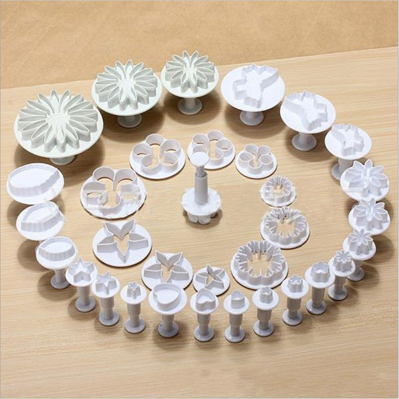 33pcs Plunger Plastic Fondant Cutter DIY Cookie Biscuit Mold Cake Baking Tools 3D Sugarcraft