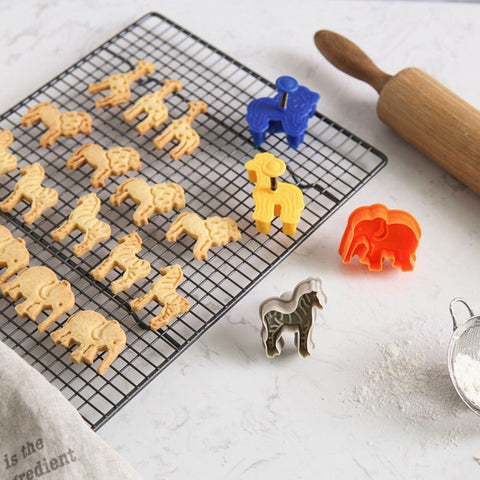 Creative Cartoon Baking Moud Biscuit Mould Cute Animal Lion Giraffe Zebra Shape Kitchen Cookie