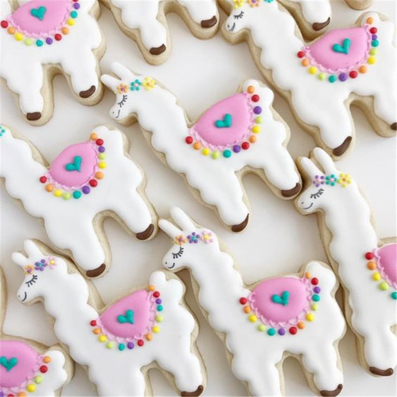 KENIAO Alpaca Cookie Cutter for Kids - 7.8 x 11.5 cm - Llama Biscuit / Fondant /Bread / Pastry