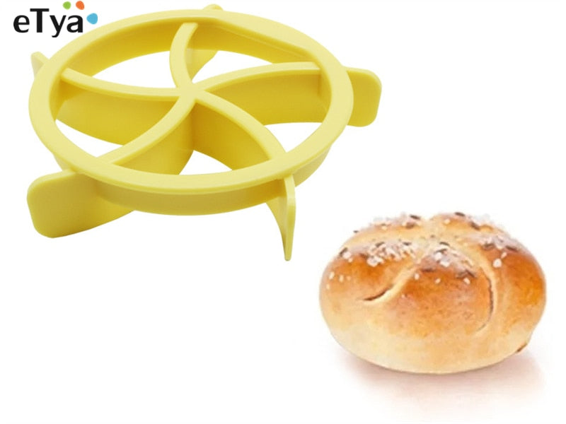 eTya 1pc Plastic Pastry Cutter Dough Cookie Press Homemade Bread Rolls cutting roller Stamp Baking