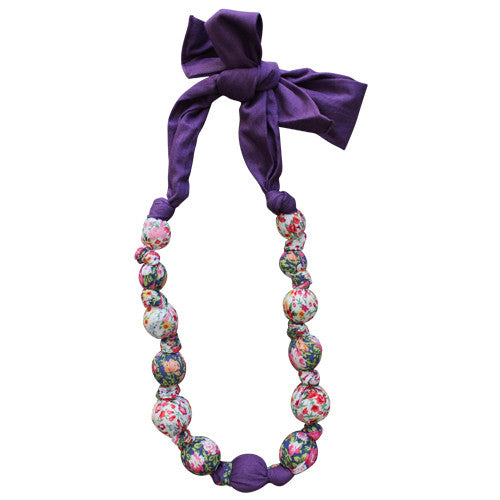 Fuchsia Blossom Cotton Necklace | Daisy&Moose