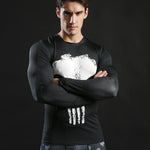 Tee shirt musculation long de côté à l'effigie du Super Heros Marvel The Punisher