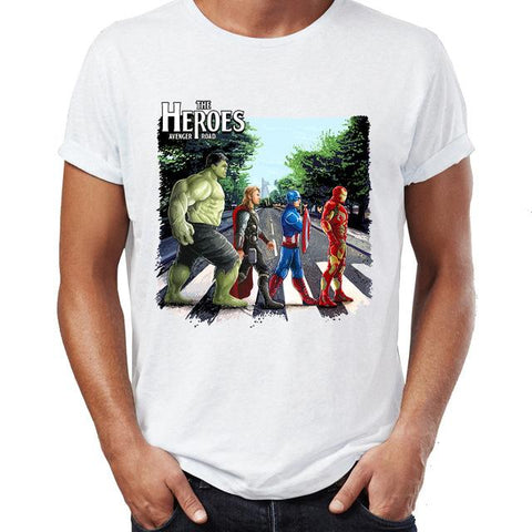 T-shirt Marvel à l'effigie des Avengers et des Beatles