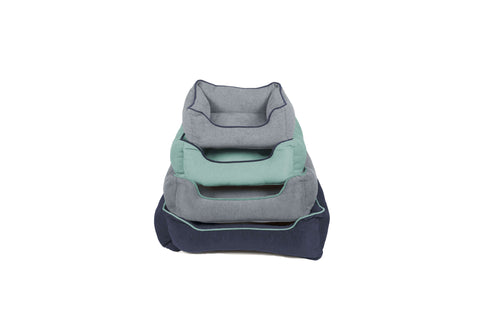 four colors of four sizes of chenille collection lounger bed for dog
