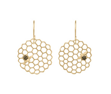 Load image into Gallery viewer, Catherine Weitzman: Honeycomb Disc Earrings in 18K Vermeil