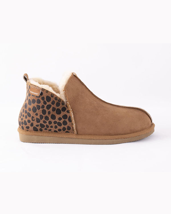 SHEPHERD ANNIE SHEEPSKIN LEOPARD SLIPPERS