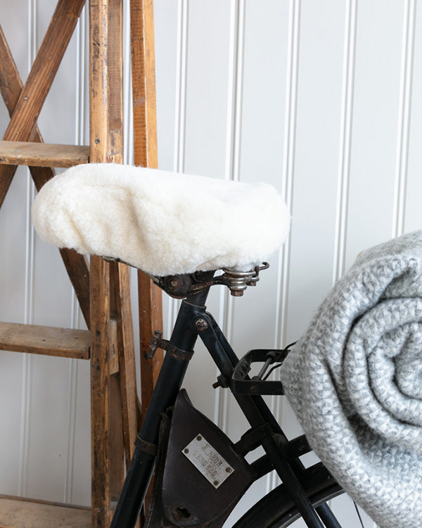 SHEPHERD OF SWEDEN SHEEPSKIN BICYCLE SEAT COVER