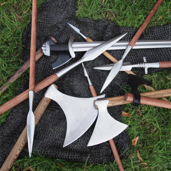 Weapons that were used at the battle of hastings.