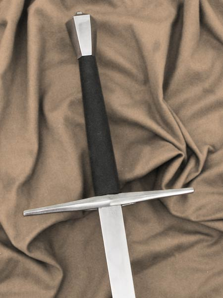 Spada da Zogho #205 steel hilt black leather grip and rectangular sectioned training blade.