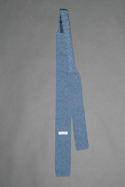 Blue-cotton-knitted-tie-with-square-tip-made-in-italy