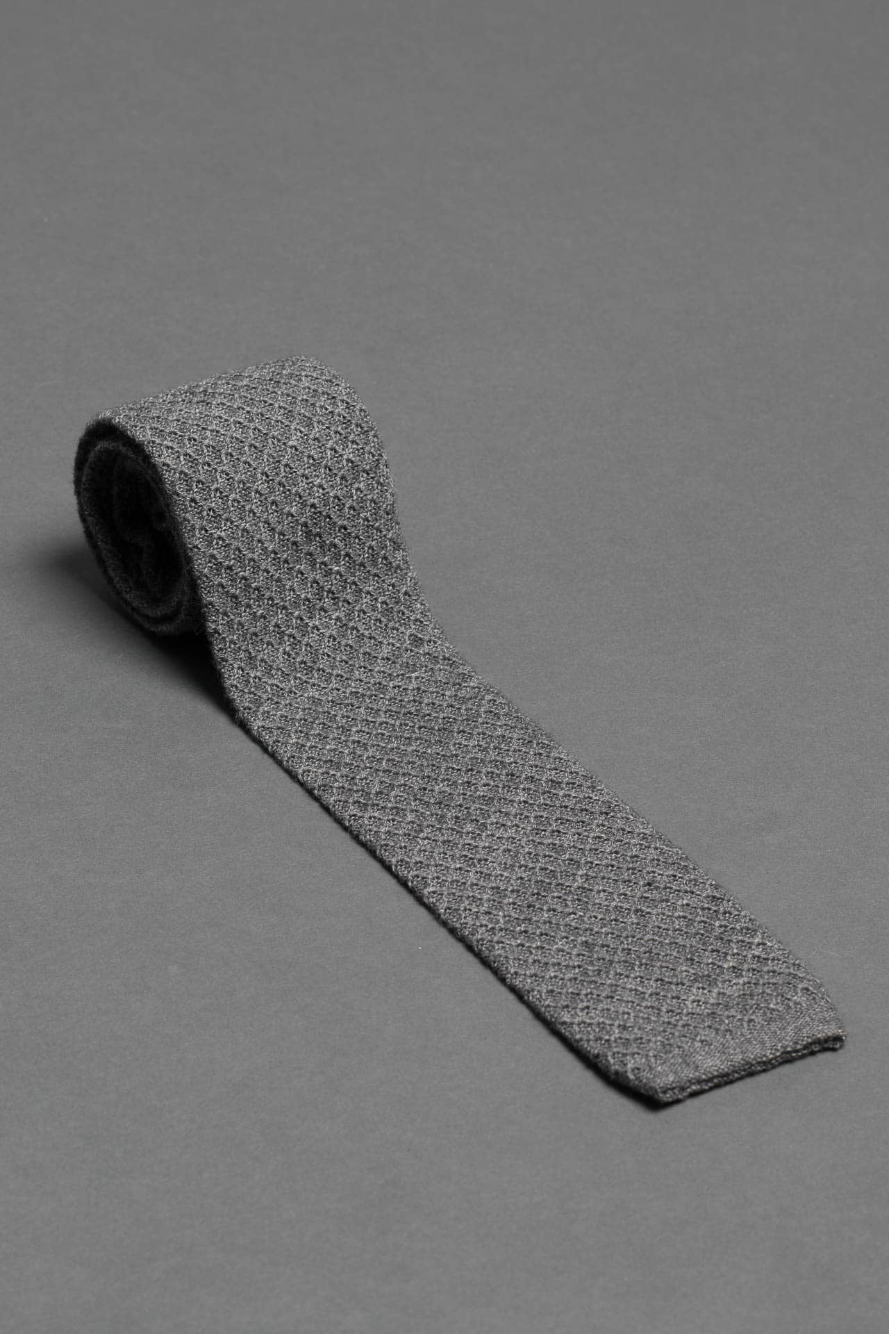 gray-cotton-knitted-tie-with-square-tip-made-in-italy