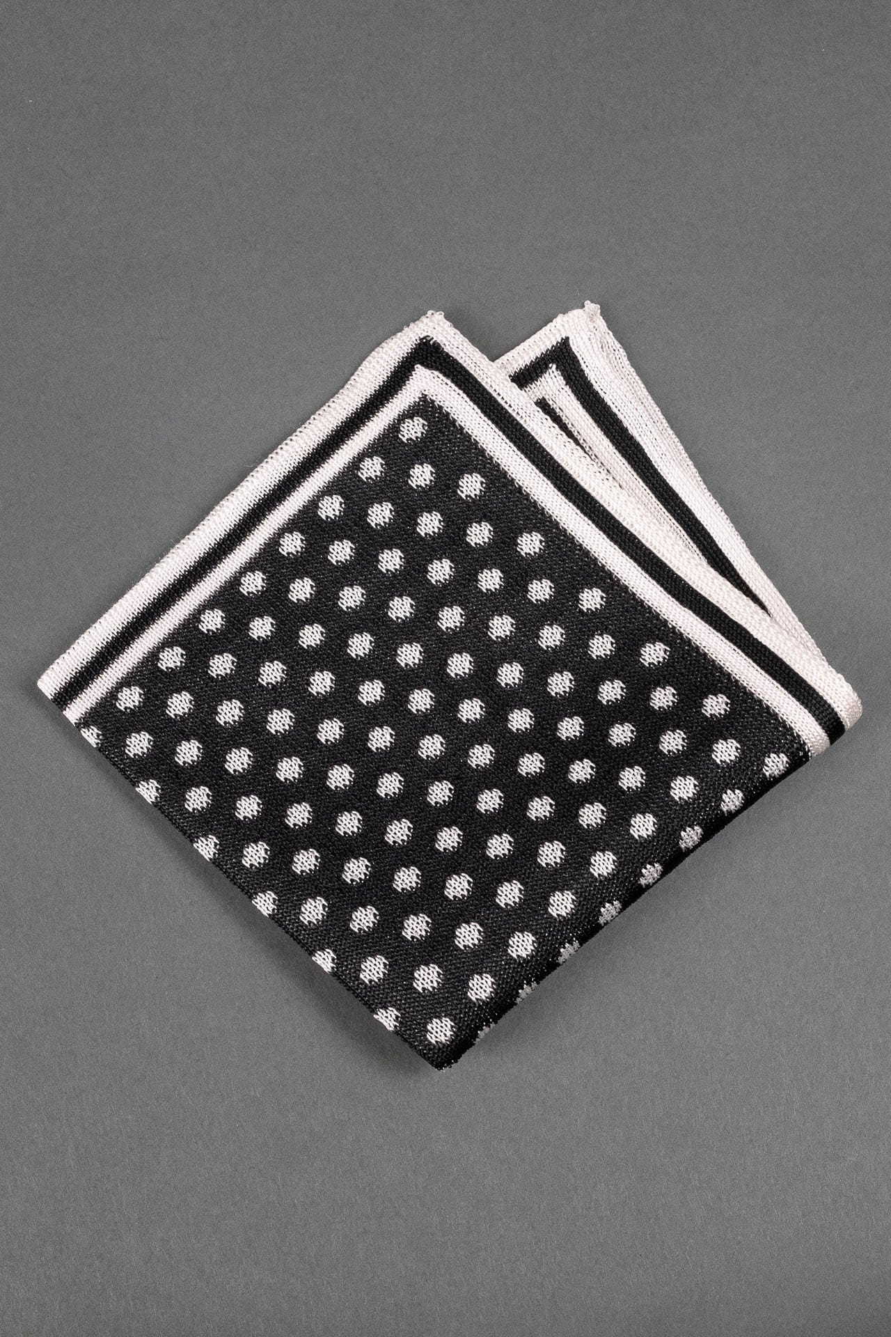 black-and-white-dots-silk-knitted-pocket-square-with-white frame-made-in-italy