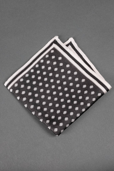 gray-and-white-dots-silk-knitted-pocket-square-with-white frame-made-in-italy