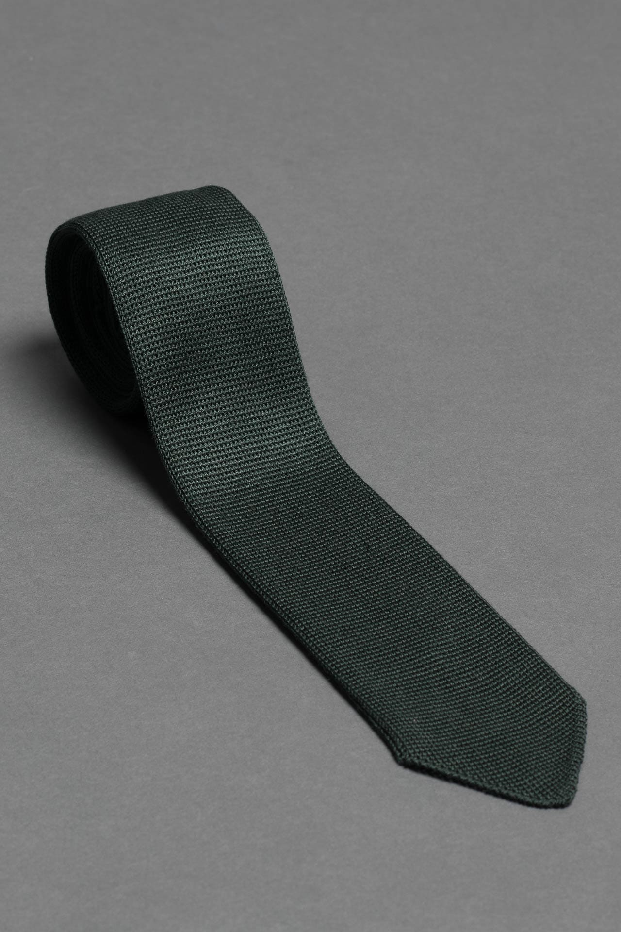 green-silk-knitted-formal-tie-with-pointed-tip-made-in-italy