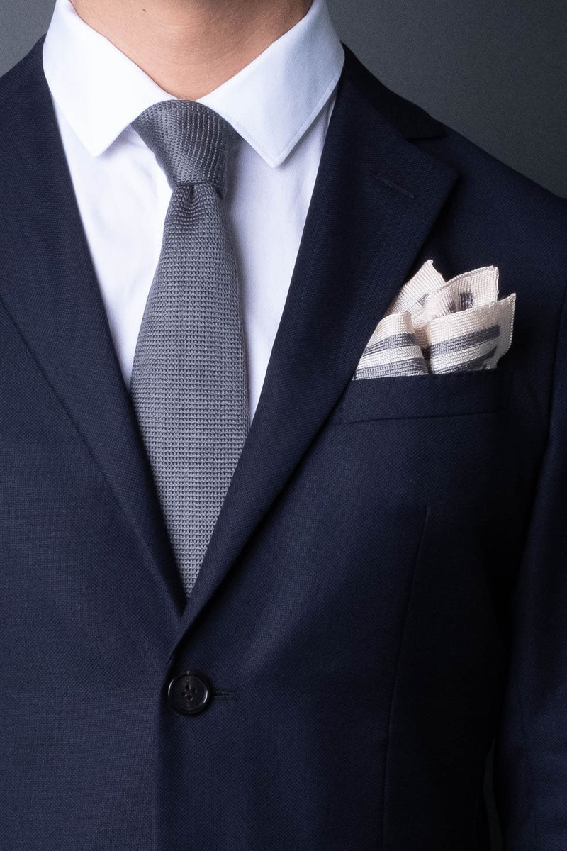 gray-silver-silk-knitted-formal-tie-with-pointed-tip-made-in-italy