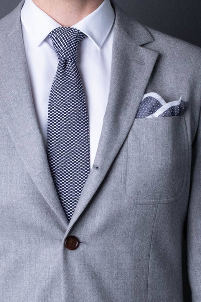 cotton-knitted-pocket-square-blue-with-white-frame-and-dots-made-in-italy-combo-matching-tie