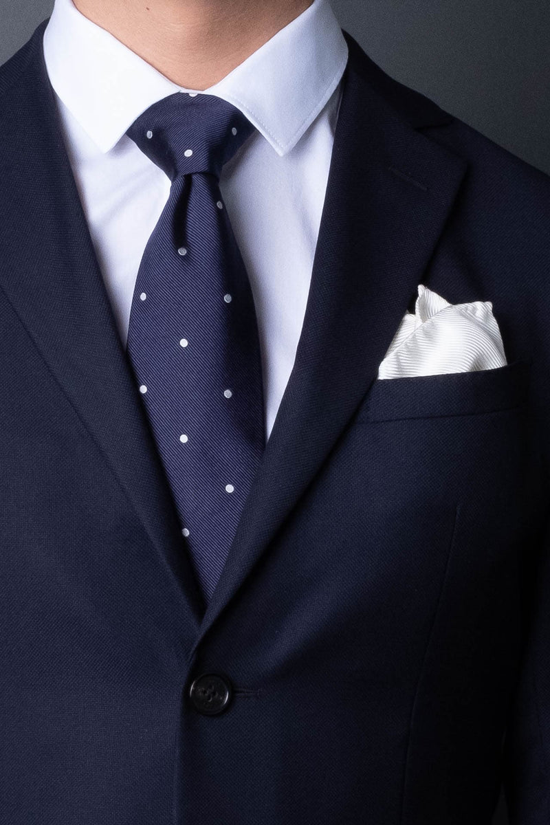 7-fold-navy-blue-polka-dot-silk-woven-tie-with-pointed-hand-tip-made-in-italy