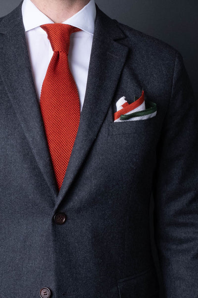 Bright-orange-silk-knitted-tie-with-square-tip-made-in-italy