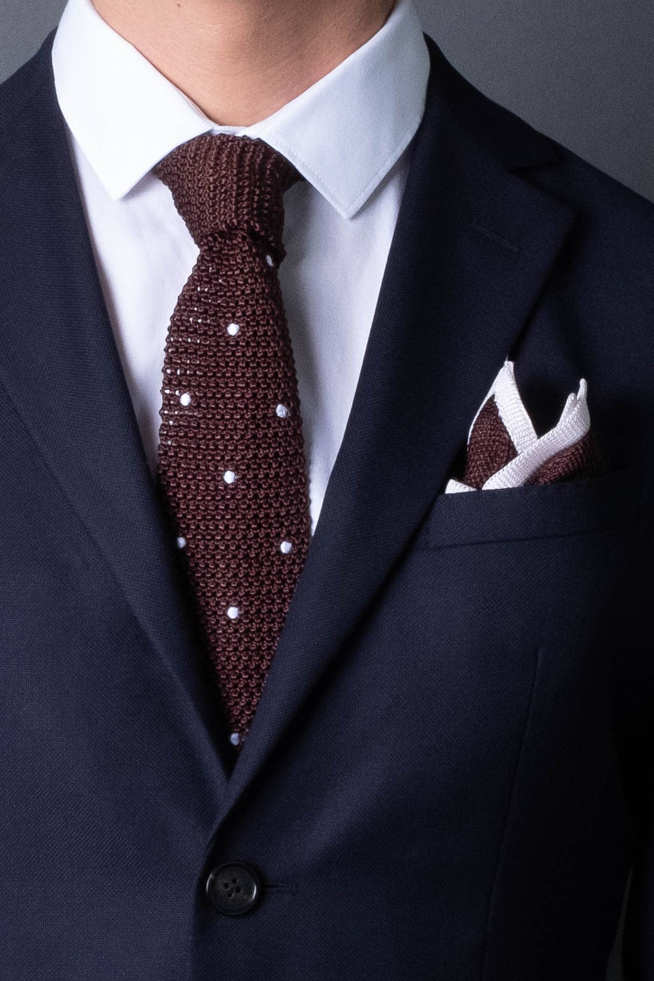 silk-knitted-tie-with-square-tip-brown-with-polka-dots-made-in-italy