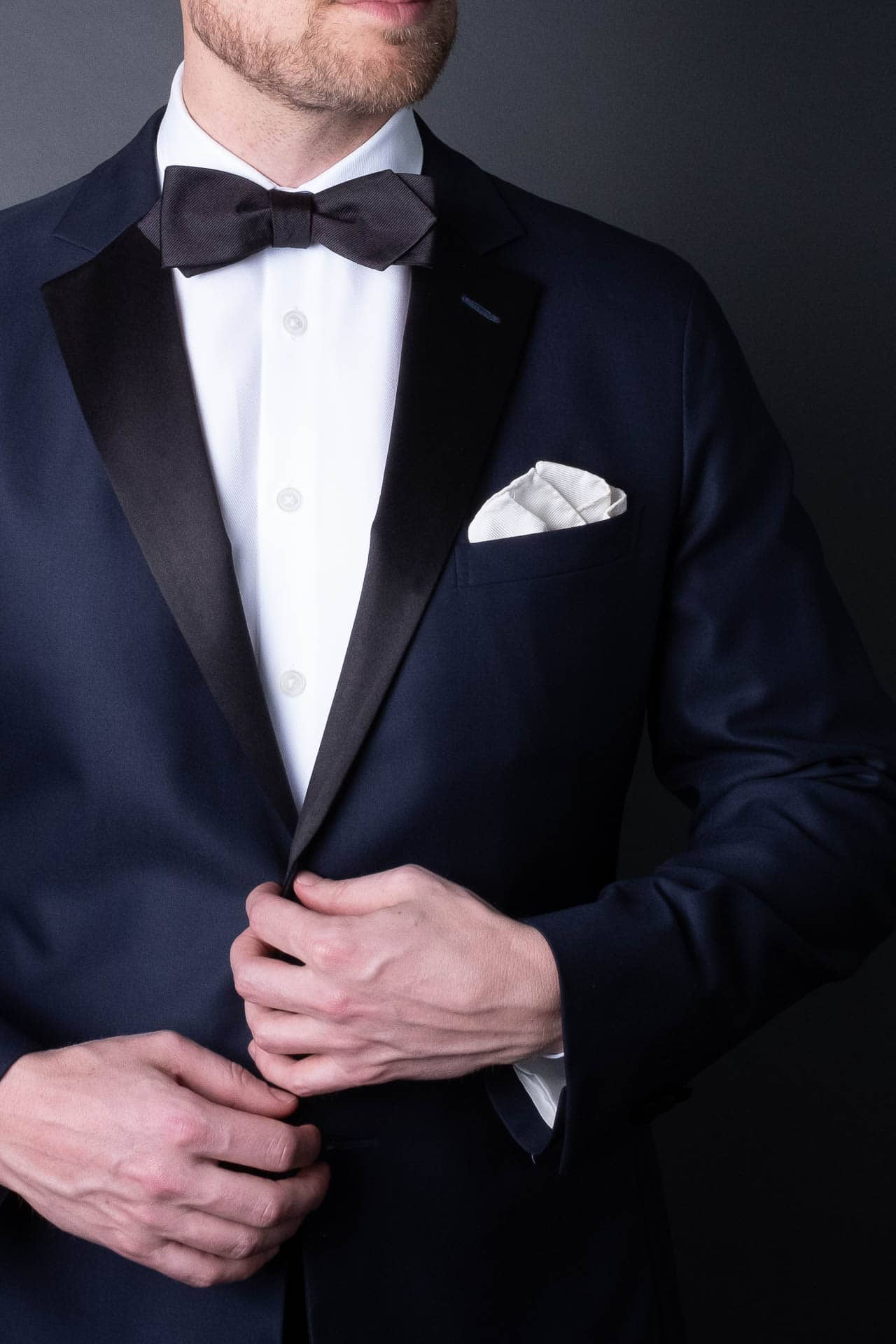 black-silk-woven-pocket-square-hand-rolled-formal-tuxedo-made-in-italy