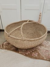 Load image into Gallery viewer, Large seagrass round basket