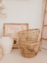 Load image into Gallery viewer, Set of two rattan baskets