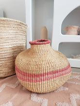 Load image into Gallery viewer, pink woven belly vase
