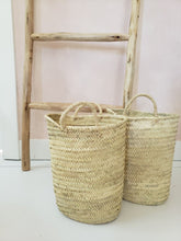 Load image into Gallery viewer, straw bucket bag with handles