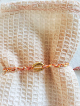 Load image into Gallery viewer, orange shell layering bracelet